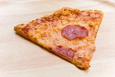 Free Pizza Salami With Cheese And Vegetables Stock Photography - 4701732