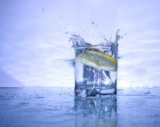 Free Fresh Splashing Lemonade Stock Photos - 4702343