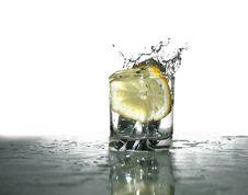 Free Fresh Splashing Lemonade Royalty Free Stock Image - 4702446