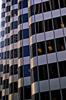 Free Glass Skyscraper In Downtown San Francisco Royalty Free Stock Photography - 4702857