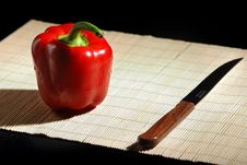 Free Red Bell Pepper And Knife Royalty Free Stock Photos - 4703708