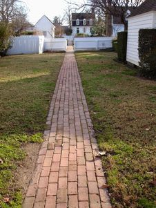 Free Red Brick Walkway Royalty Free Stock Images - 4706779