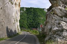 Free Road To Danube Royalty Free Stock Image - 4724286