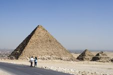 Free Road Near Pyramids Stock Photo - 4725550