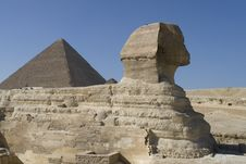 Free Sphinx And Pyramid Stock Photography - 4725742