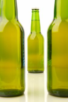 Free Beer Bottles Royalty Free Stock Photos - 4726948