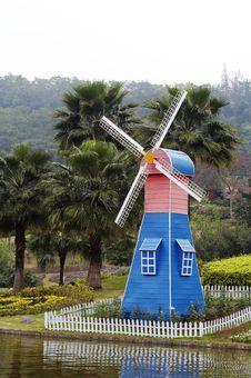 Free Windmill Stock Image - 4727871
