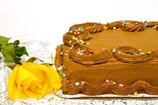 Free Chocolate Cake And Yellow Rose Royalty Free Stock Photo - 4735005