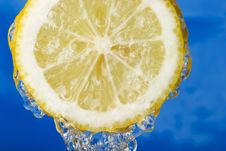 Free Refreshing Lemon Royalty Free Stock Photo - 4735415