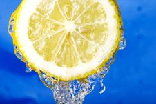 Free Refreshing Lemon Royalty Free Stock Image - 4735426