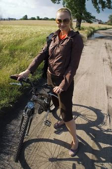 Free Girl With Bicycle Stock Photos - 4736173