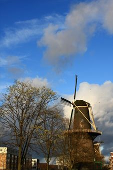 Free Windmill In Spring Royalty Free Stock Photo - 4739675
