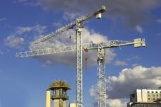 Free Tower Cranes Royalty Free Stock Photos - 4742288