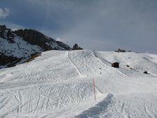 Free Gibbous Ski Slope Royalty Free Stock Photo - 4743235