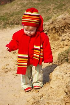 Free Little Girl In The Bright Cap And  Scarf Stock Photos - 4744793