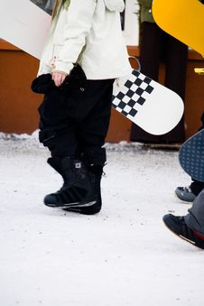 Free A Person Walking And Carrying Their Snowboard Stock Photo - 4752410