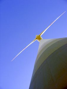 Free Wind Generator Royalty Free Stock Image - 4755676