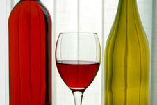 Free Wine Bottles With Wine Glass Royalty Free Stock Photography - 4757897