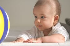 Free Baby With Ball Royalty Free Stock Photography - 4765117