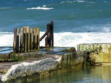 Free Broken Fence At Sea Stock Images - 4766504