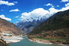Mountain And River Royalty Free Stock Images