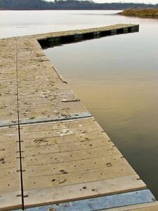 Free Pier On Lake 2-11 Royalty Free Stock Images - 4771609