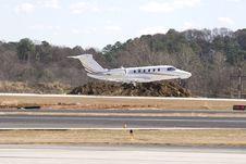 Free White Plane Landing Royalty Free Stock Image - 4782036