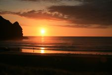 Free Gorgeous Sunset At Piha Beach Stock Images - 4786384