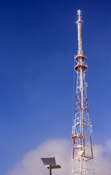 Free Big Metallic Tv Radio Tower Stock Photo - 4796530