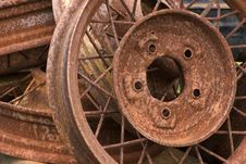 Free Rusty Wheels Royalty Free Stock Photography - 481257