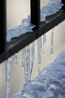 Free Railing With Icicles Royalty Free Stock Images - 481519