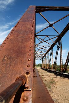 Free Old Steel Bridge Royalty Free Stock Photo - 483695