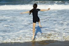 Free Jumping The Wave Royalty Free Stock Image - 484236