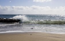 Free Wave Breaking On Beach Stock Images - 484284