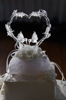 Free Wedding Cake Top Royalty Free Stock Image - 488526