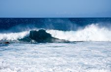 Free Crashing Waves Off The Coast Of Hawaii Stock Photography - 4803172