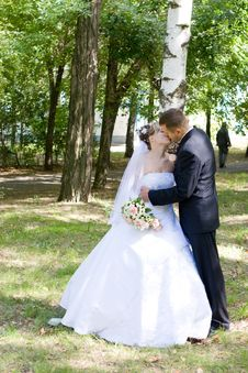 Free Kiss Outdoors Royalty Free Stock Photography - 4804617