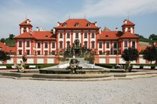 Free Baroque Manor House In Prague Royalty Free Stock Image - 4807536