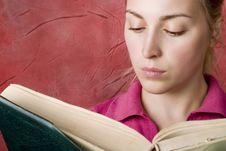 Free Female Reading Book Royalty Free Stock Photo - 4808265