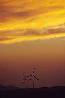 Free Wind Turbines Royalty Free Stock Images - 4810489