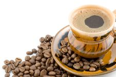 Free Coffee Beans And Black Coffee In A Cup Royalty Free Stock Photos - 4810598