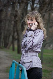 Free Phone Girl Royalty Free Stock Photos - 4816048