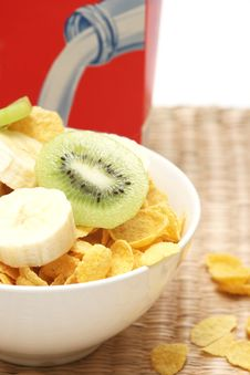 Free Cornflakes And Fruits Stock Photography - 4816482