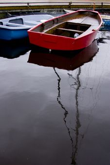 Free Red Dinghy Royalty Free Stock Photography - 4819307