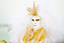 Free Gold And White Venetian Costume Royalty Free Stock Images - 4823869