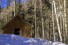 Free Snow Covered Cabin In Colorado Royalty Free Stock Image - 4824126