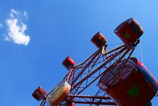 Free Red Ferris Wheel Royalty Free Stock Photography - 4826867