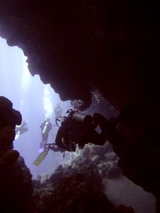 Free Dark Cavern With Divers Stock Images - 4827124