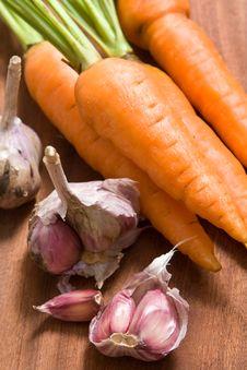 Free Fresh Garlic And Carrot Stock Photo - 4833640