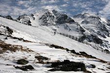 Free Lone Skier Stock Photo - 4834960